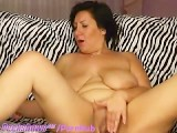 BBW Rubs Her Clit And Cums