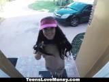 TeensLoveMoney – Delivery Girl Gets A BIG Tip